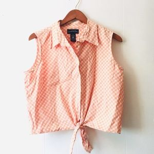 • vintage coral gingham collared sleeveless top •